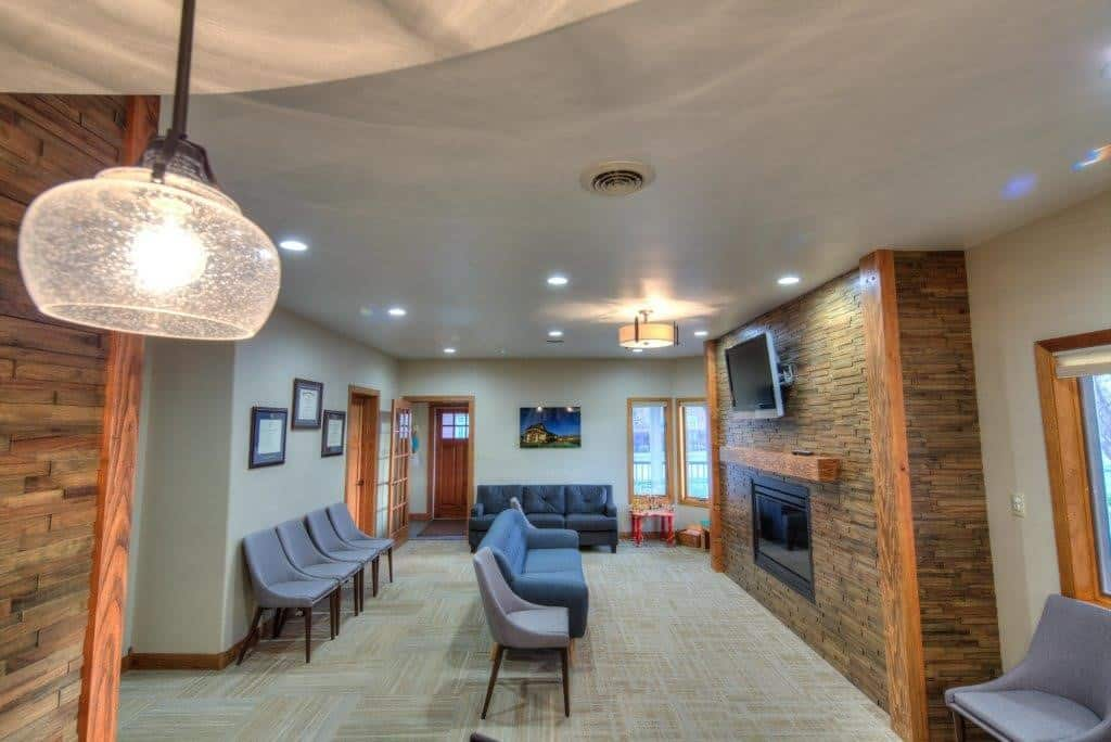 Lobby entrance - Belle Fourche - Jackson Dental