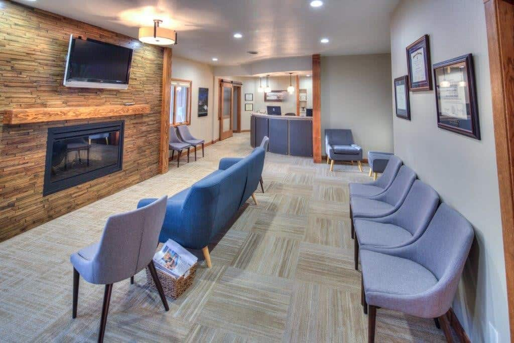 lobby 3 - Belle Fourche - Jackson Dental